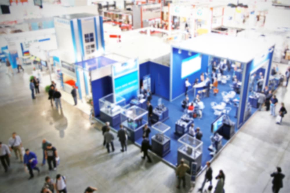trade-show-blue-booths